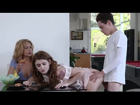 Stepbrother Fucks Stepsister With Mom – Urfavcamgirls.com